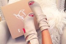 Zapatos, zapatos, zapatos <3 / by Ursula Asmat