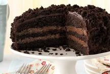 FOOD: Cakes / by Jenny On The Spot