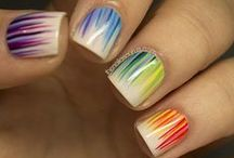 Sweet nail art / nail art is something i really like, but could never make. so i admire it from afar...