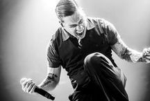 Brent Smith/Shinedown <3 / by Stacy 💀💙