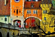 Medieval architecture & urbanism / by Vicens Tort Arnau