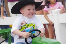 Lil' Cowpokes / Little ones enjoying RODEOHOUSTON. / by RODEOHOUSTON