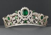 tiaras-emeralds