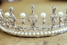 tiaras-pearls