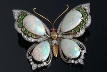 opal jewelry 1 closed