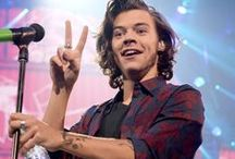 Harry Styles: 1D Heartthrob / Who can resist those curly locks and dazzling smile? We are totally Harry Styles' fans here at Cambio! Take a look at our fave pics of Hazza and see more at Cambio here --> http://aol.it/11ZpHBn / by cambio