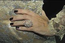 Manicure & Pedicure / Inspirações para cuidados das mãos e pés além de tons e combinações, formatos e nail art elegante.