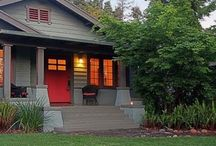 810 N Michigan Ave Pasadena CA 91104 / 1907 Craftsman is anything but old fashion.  Tastefully updated baths and chef's Kitchen.  Three generous bedrooms. Freshly painted with warm tones.
