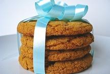 Food: Cookies / by Sara LaMothe