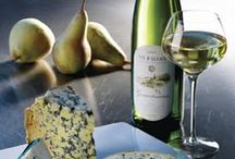 Fromages et Vins d'Alsace / Cheese and Alsace wine / Vin et fromage, un mariage de toujours ! Osez les Blancs d'Alsace pour rehausser ou accompagner vos fromages de caractère...../.....Wine and cheese – the perfect match. Alsace wines pair marvellously with all kinds of cheese. #DrinkAlsace