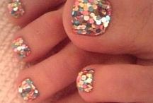 nails nails nails / by Kya Allen