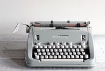 101 loves typewriters / In 101 Woonideeën vind je iedere maand een vintage typemachine in onze lezersrubriek: We've got mail. Deze foto's zoeken wij via internet. Op ons 101 blog kun je een mini-interview met de fotografen lezen. In dit board een verzameling van de typemachines die wij hebben gepubliceerd in 101Woonideeën.