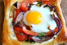 Breakfast / by Laura Zyl