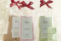 Gift Ideas / by Julie Anderla