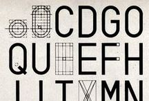 typo / type with character / by Pablo Bravo Garcia