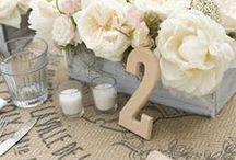 Flowers that stun-wedding ideas / by Collette Hicken