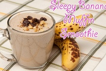 foodies: breakfast smoothies / by Jennifer McMullen