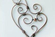 DIY & Inspirational Necklaces & Pendants / by Rhonda McKenzie