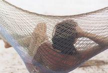 Hang Loose / For the love of hammocks and hanging beds and chairs, indoor swings, Hängematten und Hängeschaukeln