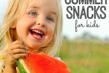 Snacks & Sweets / by Danielle Weatherwax
