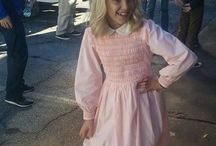 Eleven pink dress (Stranges Things)