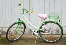 Vehicles / Stylish vehicles like pretty bikes or (vintage) cars.