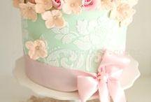Cakes that I <3... / by Brandi Murphy