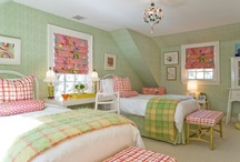 Home: Bedrooms / by Colleen Mooney-Gallagher
