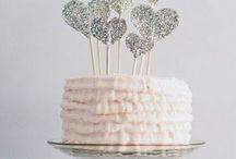 Desserts: Cakes / by Sam Paraday