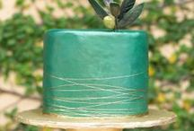 Teal Wedding Theme Ideas / Teal (greeny blue) wedding accessories,dresses,reception ideas and everything else in-between.