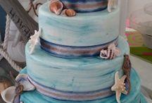 Beach Wedding Cakes & Decorations / Beach themed wedding cakes and ideas