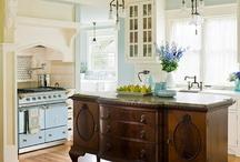 Kitchens / by Amanda Hoffman