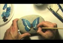 Ideas: Butterflies Rocks / Ideas and inspiration for painting butterflies and the like on rocks and stones