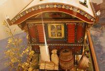 dollhouses and fairy gardens / by Femme Postale