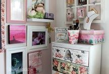 Best Art Studios & Craft Rooms / I'm drooling over these studios and craft rooms! Enjoy!
