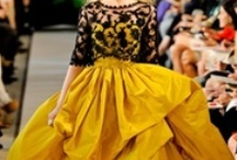 OSCAR DE LA RENTA FIALLO / Was born Oscar de la Renta Fiallo in Dominican Republic, in 1932. Married Francoise de Laglade a fashin editor 1967,died 1983,married Annette Engelhard Reed. At the tender age of 18, he travelled to Spain to study art at the Academy of San Fernando in Madrid; after sketching for Balenciaga, in 1963 he travelled to New York he secured a role at Elizabeth Arden under the menturship of editor Diane Vreeland.From 1993 to 2002 de la Renta designed the haute couture collections for Pierre Balman.