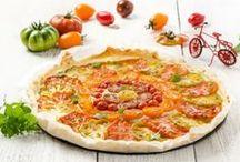 Gemüse Rezepte / Gemüse ist nicht nur gesund, es sorgt auch für reichlich Abwechslung in der Küche. Von der Artischocke bis zur Zucchini findet ihr hier besten Gemüse Rezepte. Egal ob als Rohkost mit Dip, gebraten als Röstgemüse, knackig-weich gedünstet oder als flaumiges Püree, als Beilage oder Hauptgericht - Gemüse besticht durch seinen Facettenreichtum in der Küche. Lasst euch inspirieren und vorallem, lasst es euch schmecken! Noch mehr Gemüse Rezpte findet ihr auf unserer Website!