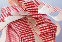 Beautiful Gift Wrap / by Laura Lewis