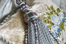 pillows&tassels / by Vesna Demajo