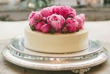 Wedding Cakes / Wedding Cakes - The most unique and fun wedding cakes you could imagine.