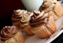 CUPCAKES MAKE ME HAPPY! / by Danielle Fox-Knight