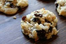 Cookies and Bars, Oh MY! / Cookies, Bars and treats to delight your taste buds!