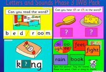 Phonic Activity Units / Phonics: activity packs available for download on our blog:http://learningparade.typepad.co.uk/