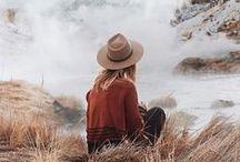 : wanderlove : / A visual destination bucket list.