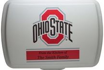 Personalized Collegiate Series / That's My Pan!® is thrilled to offer officially licensed, collegiate, personalized cake pans & lids! Your choice of wording and personalization is then engraved into both the lid and the pan. You are going to be the hit of the next tailgate or game day party! That's My Pan!® is the first and only licensed supplier of personalized collegiate designs for cake pans & lids. Visit our website for more information on our unique fundraising opportunities too!