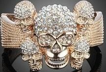 Skull and Crossbones - Skull Fashion Trend / by Amethyst Cheairs