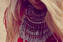 Statement, Bib, and Fashion Necklaces - Jewelry / by Amethyst Cheairs