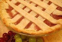 Sweet  Pies and Tarts / by Ginna Germain Basile          (Mesuki58)
