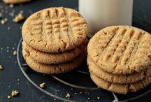Cookies / by Ginna Germain Basile          (Mesuki58)
