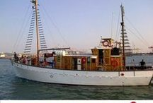 Angra Pequena / Beautiful expedition vessel in South Africa and Western Indian Ocean